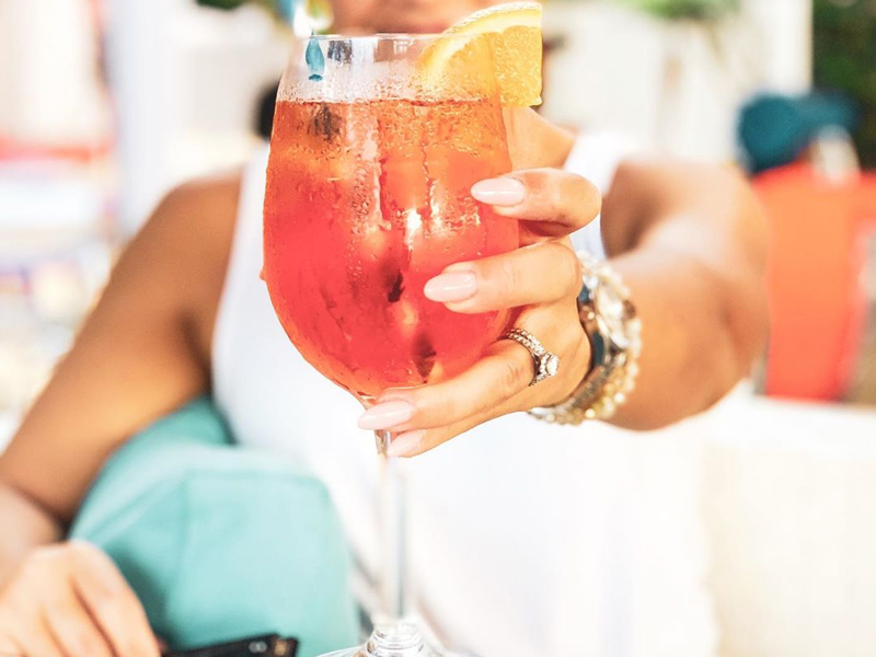 Coral-Beach-Gallery-Cocktails